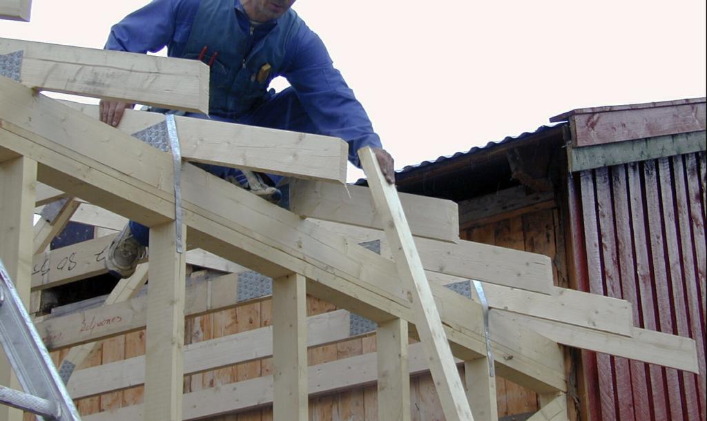 Over hele landet er det behov for tømrere, bilmekanikere, elektrikere og anf´dre med yrkesfaglig utdanning.